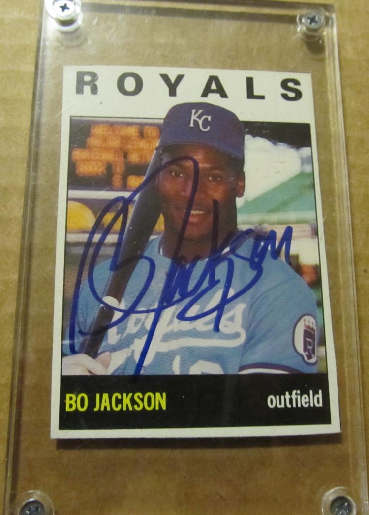 Bo Jackson Autographed Baseball Card
