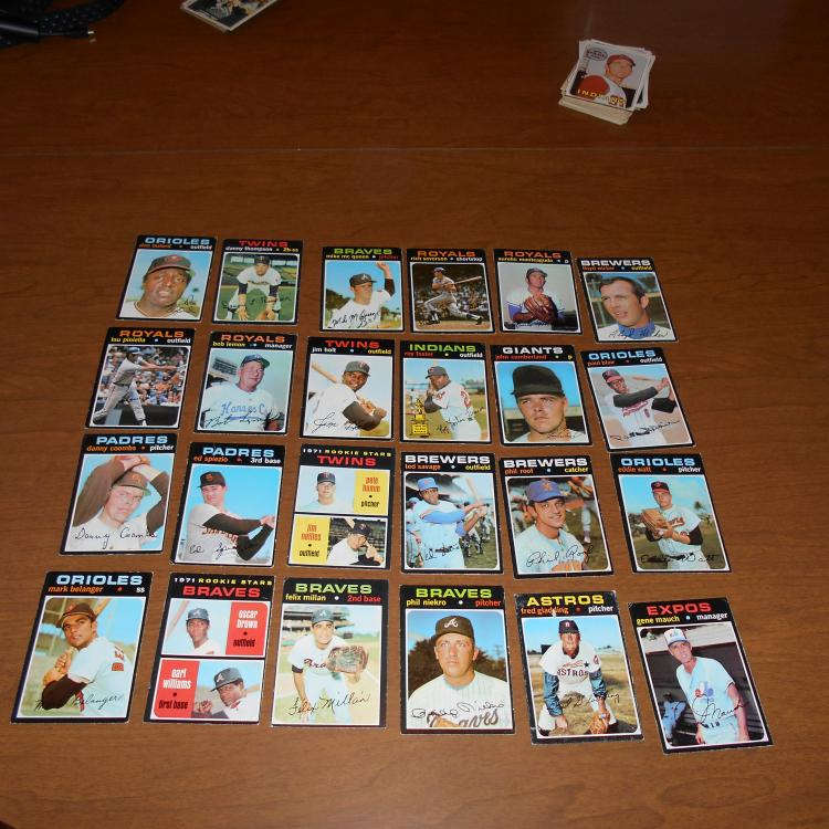 24  1971 Topps Baseball Cards  Mauch Niekro, Lemon Braves RC Twins RC +