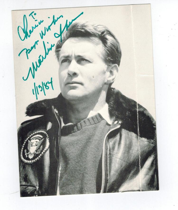 Martin Sheen Hand Signed Photo.
