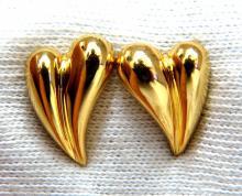 18kt Gold Elongated Heart Stud Earrings
