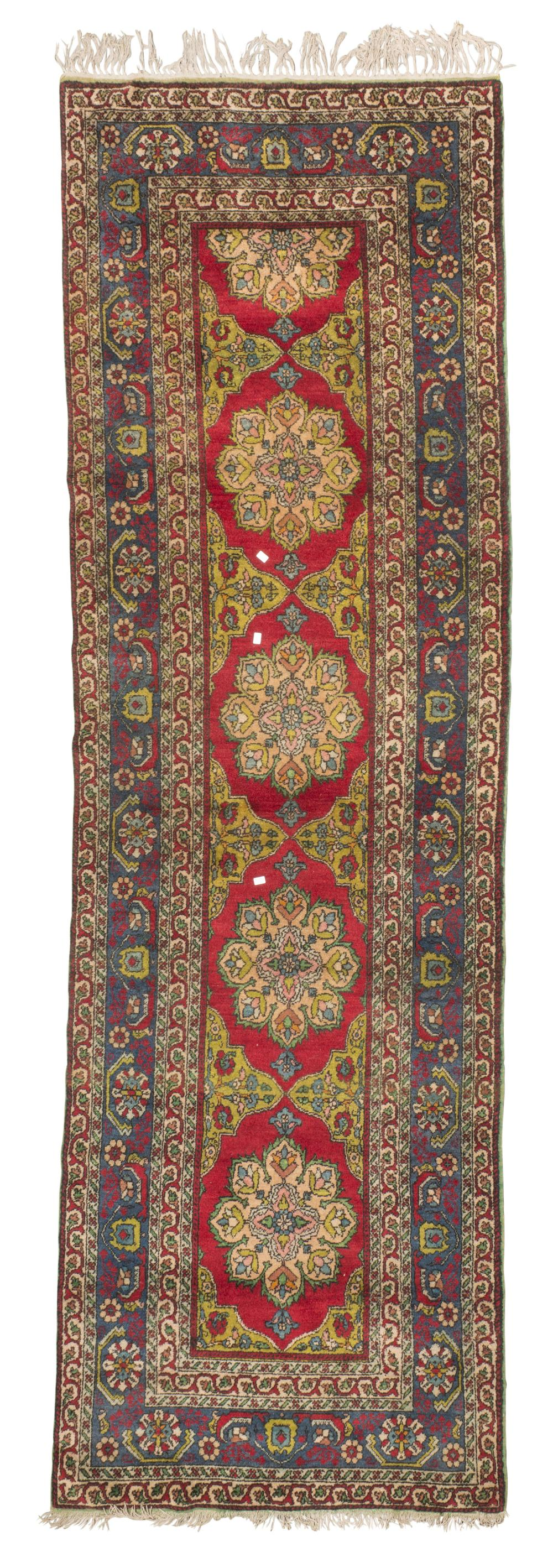 PERSIAN LILIAN RUNNER, FIRST HALF OF THE 20TH CENTURY