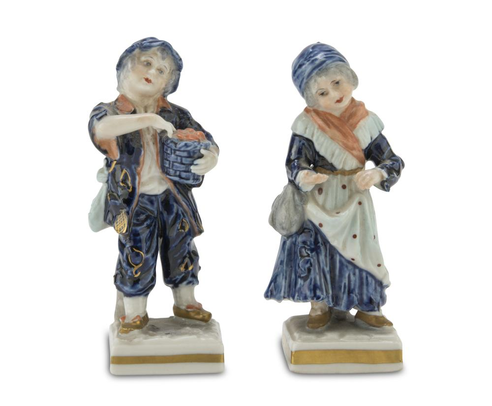 A PAIR OF PORCELAIN FIGURES, GINORI EARLY 20TH CENTURY