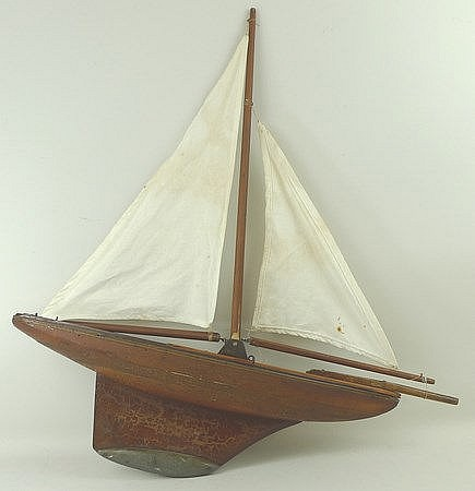 A 1960's vintage Triang model pond yacht in original box, '2
