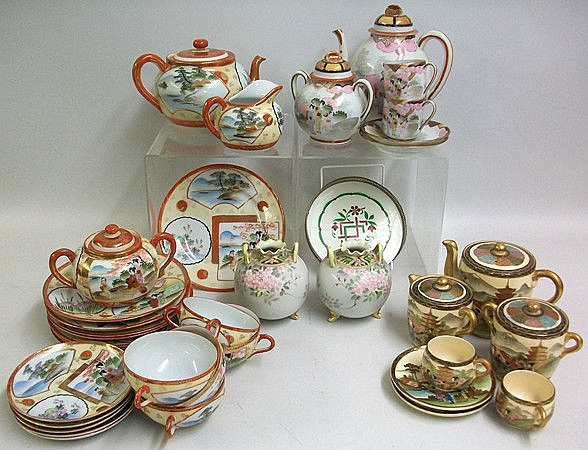 A quantity of Japanese export ware porcelain