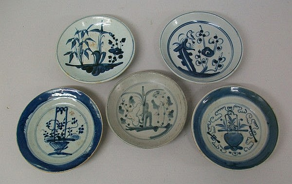 A group of 18th century Chinese blue and white