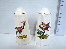 Pair of porcelain salt shakers, with bird pattern