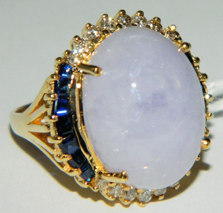 18k gold ring with jade, sapphires & diamonds
