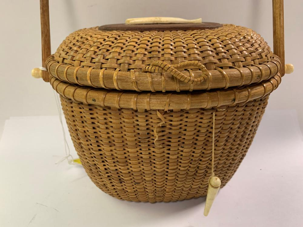 Nantucket Basket With Bone Whale Carving And Knobs