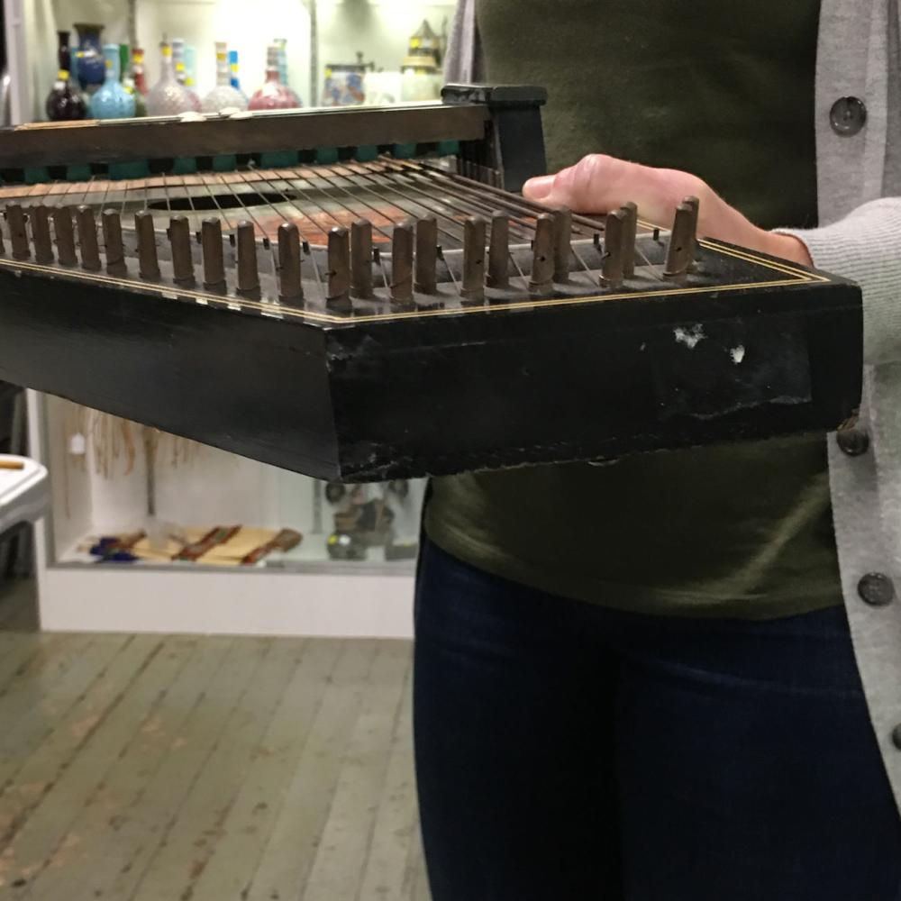 Zither Musical Instrument With Rose Decoration