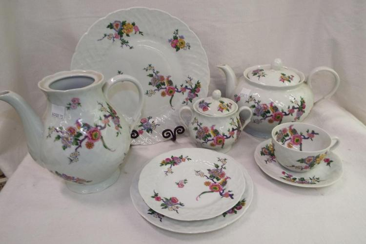 B & Co Limoges France Bernaud Dinnerware Set