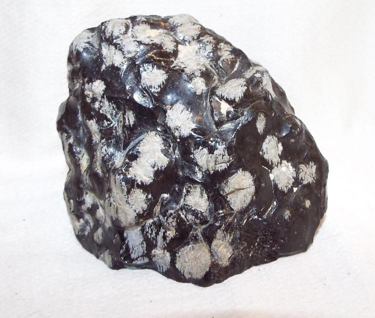 Obsidian Rock / Mineral