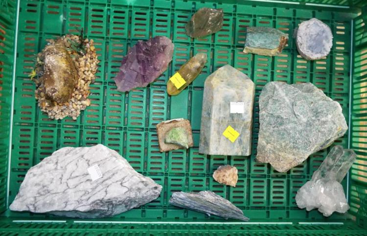 Group Of Collectible Rocks / Minerals