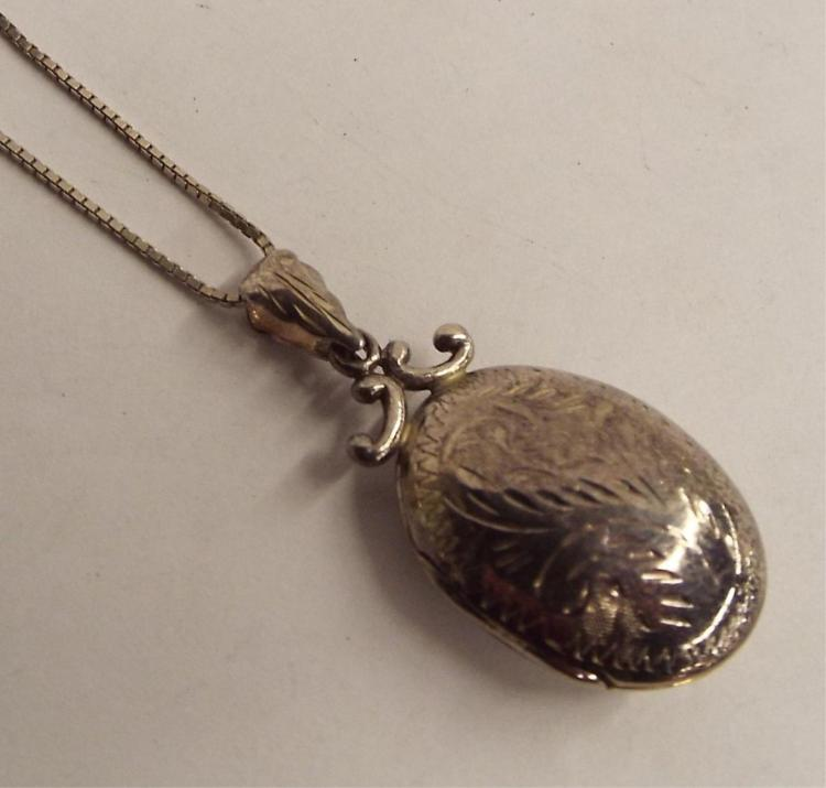 Sterling Silver Necklace With Locket Pendant