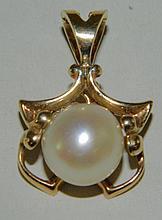 14K Gold & Pearl Pendant