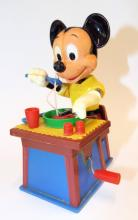Plastic Mickey Mouse Wind Up Toy