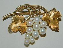 10K Gold Kremetz Grape Design Broche with Pearls