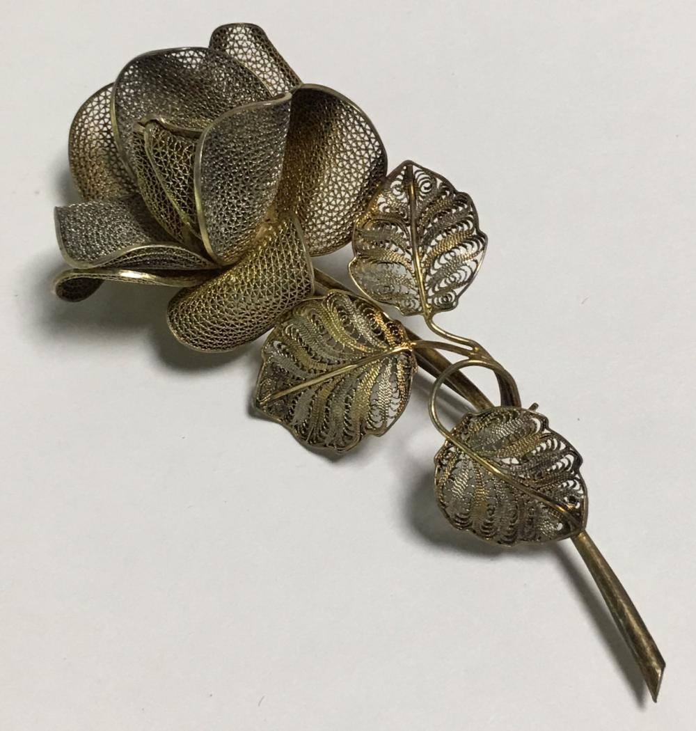 800 Silver Filigree Floral Brooch