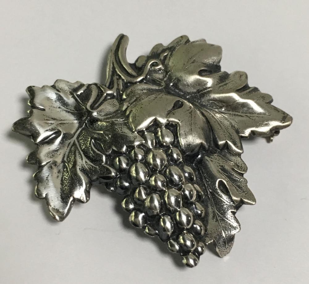 Sterling Silver Grape Vine Leaf Brooch