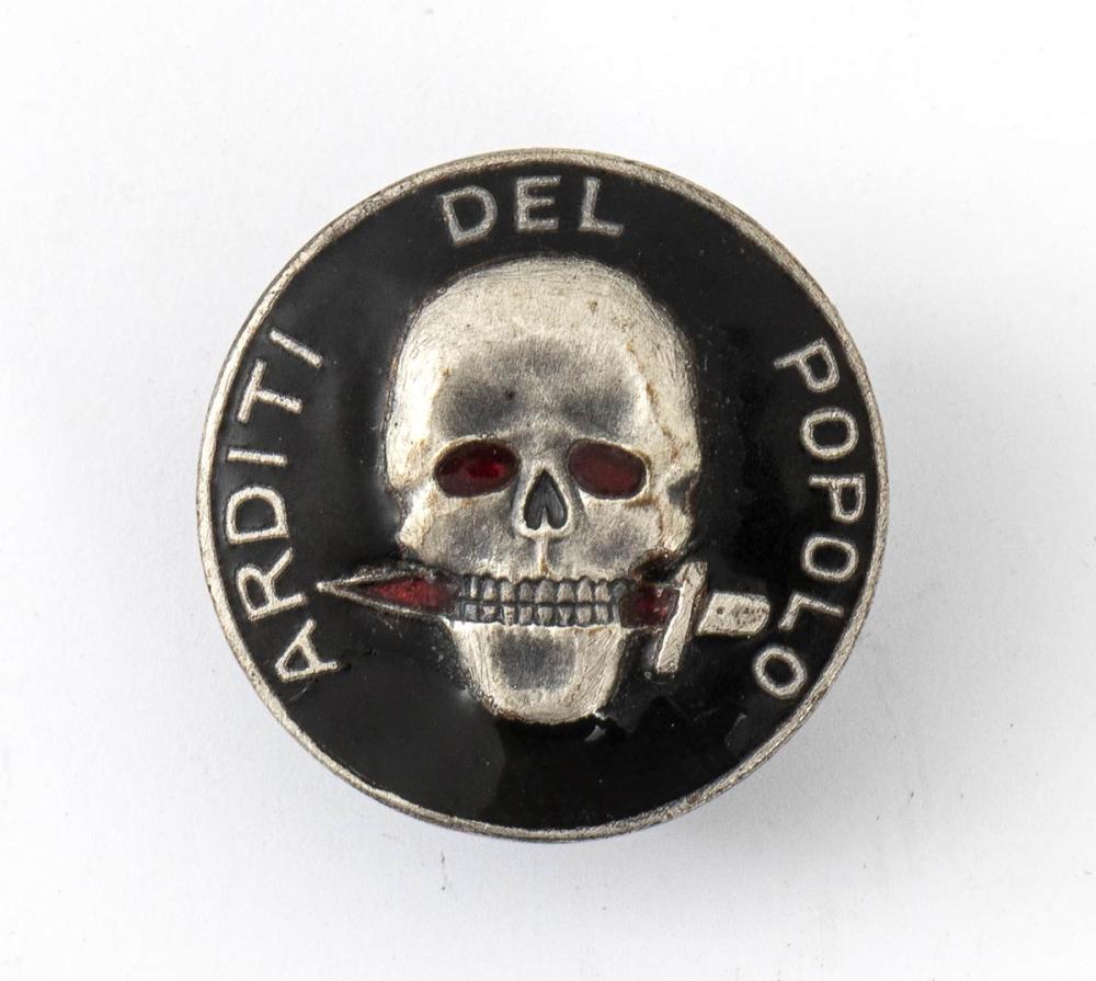 Arditi del popolo badge - Italy, 1920s
