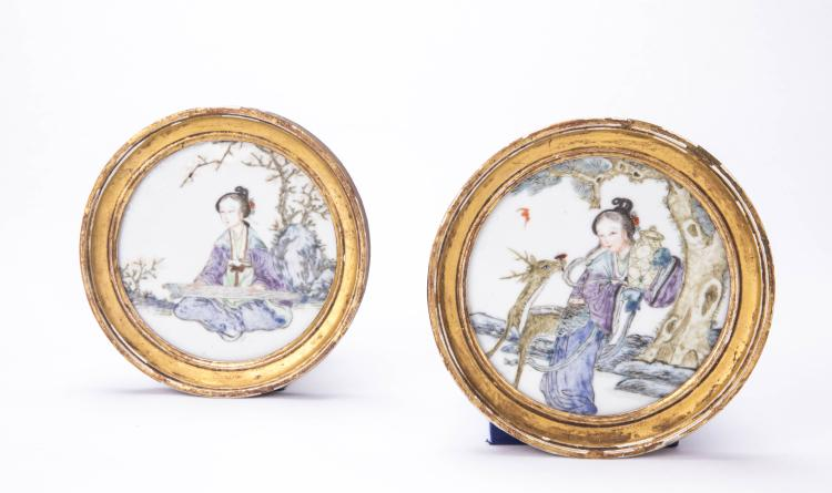 A Pair of Chinese Round Panels with Lady Portraiture Design