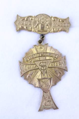 KALA MAZOO PENNISULAR COMMANDERY NO.8 K.T. BADGE