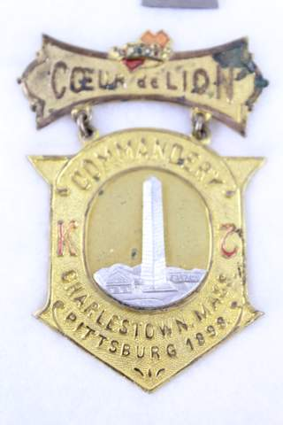 CHARLESTOWN MASS. COMMANDERY PITTSBURG 1898 K.T. BADGE