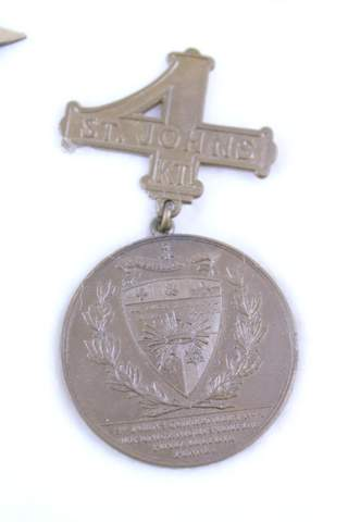 1919 ST JOHNS. COMMANDERY NO.4 K.T. CENTENNIAL BADGE