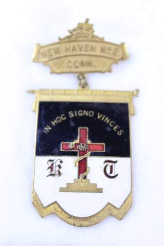NEW HAVEN NO.2 COMMANDERY ENAMEL BADGE
