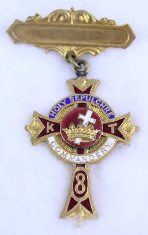 HOLY SEPULCHRE NO.8 COMMANDERY K.T. ENAMEL BADGE