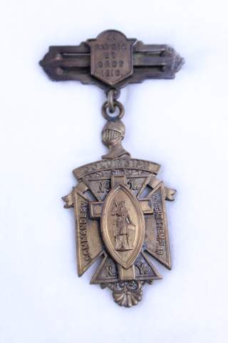 COLUMBIAN NO.1 COMMANDERY K.T. NY BADGE