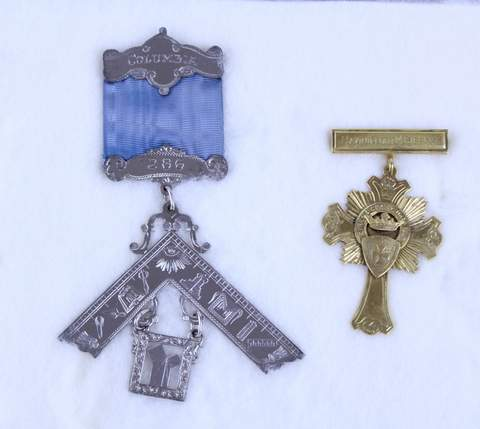 LOT OF 2 ANTIQUE MASONIC FREE MASON MEDALS BADGES