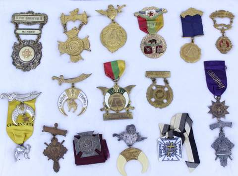 LOT OF 16 ANTIQUE MASONIC FREE MASON MEDALS BADGES