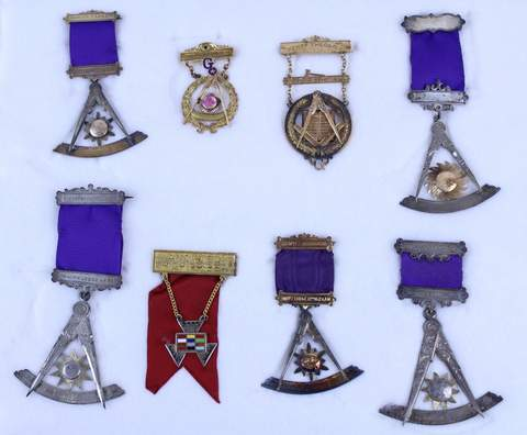 LOT OF 8 ANTIQUE MASONIC FREE MASON MEDALS BADGES