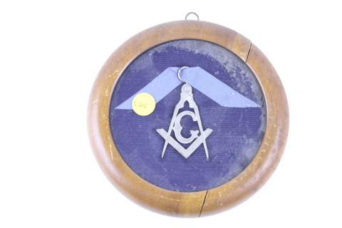 MASONIC PLAQUE MEDAL BADGE POSSIBLE STERLING, SEALED IN WOOD CASE