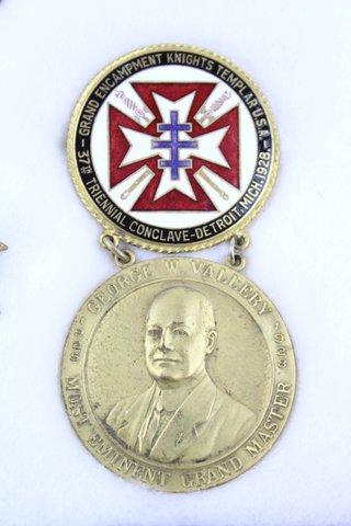 37TH TRIENNIAL CONCLAVE DETROIT MI PIN MEDAL 1928