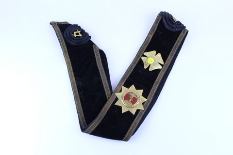 MASONIC SASH WITH PINS