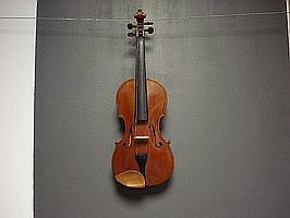 An English Violin by E W Peet. London 1937 (3)