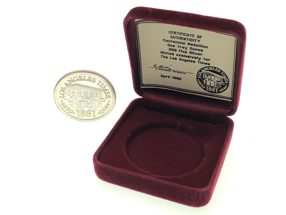 THE INT'L WORLD TRADE UNIT 1 TROY OZ .999 SILVER ROUND