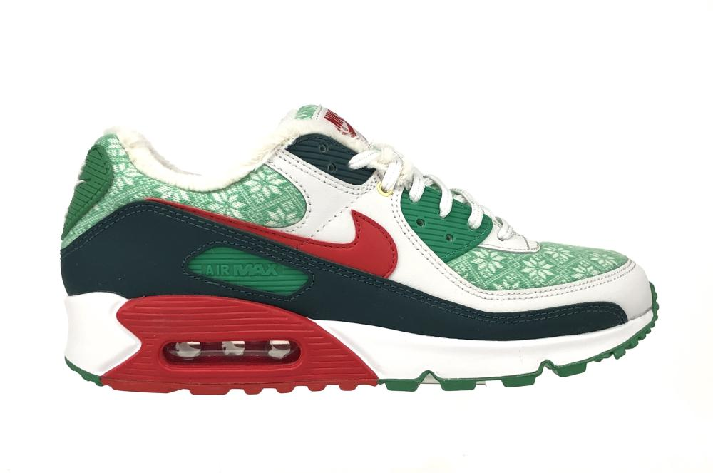NIKE AIR MAX 90 NORDIC CHRISTMAS SIZE 9 NEW OLD STOCK SNEAKERS