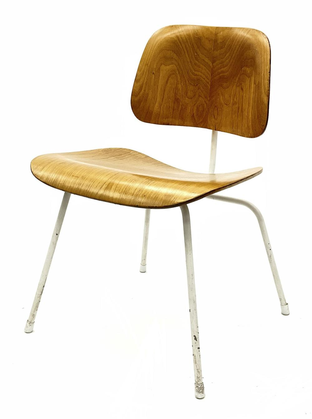 EARLY 1ST GENERATION CHARLES EAMES FOR EVANS SOLD BY HERMAN MILLER MOLDED PLYWOOD DCM CHAIR