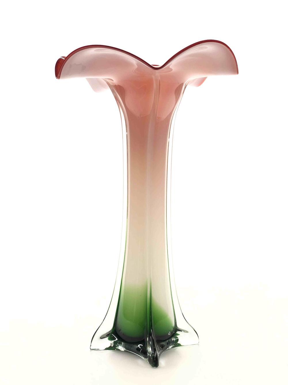 VINTAGE MURANO CASED ART GLASS TULIP VASE