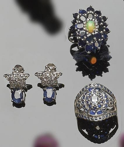 A SET OF SILVER, SAPPHIRE AND ZIRCON JEWELRY