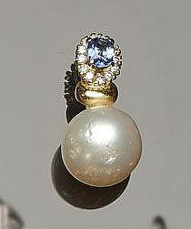 A GOLD, SAPPHIRE, PEARL AND DIAMOND PENDANT