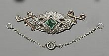 A VINTAGE GOLD, GREEN GEMSTONE AND DIAMOND NECKLACE CLASP CONNECTOR