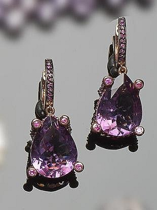 A PAIR OF STERLING SILVER, SAPPHIRE AND AMETHYST DROP EARRINGS