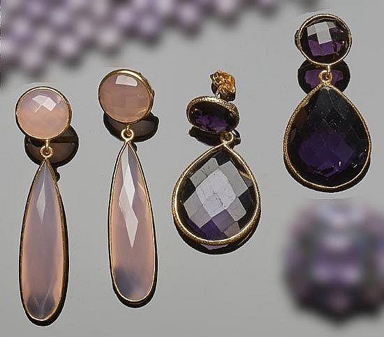 A SET OF GILT SILVER, AMETHYST AND QUARTZ DROP EARRINGS