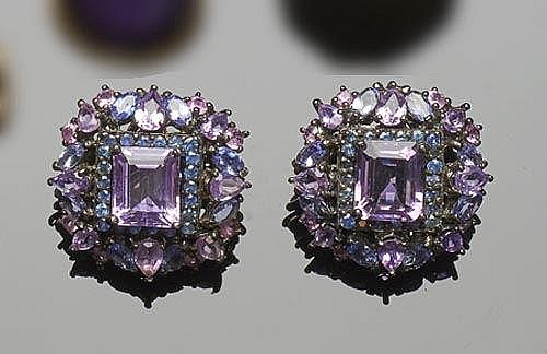 A PAIR OF SILVER, SAPPHIRE, EMERALD AND AMETHYST EARRINGS