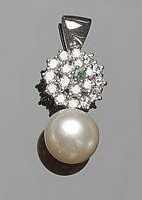 A GOLD, PEARL, EMERALD AND DIAMOND PENDANT