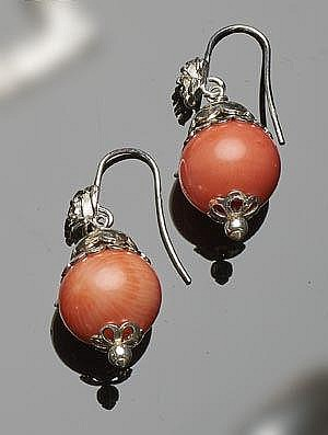 A PAIR OF SILVER AND CORAL EARRINGS