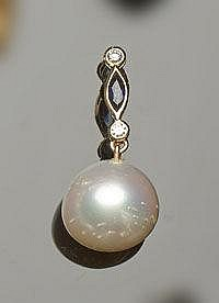 A GOLD, PEARL, SAPPHIRE AND DIAMOND PENDANT
